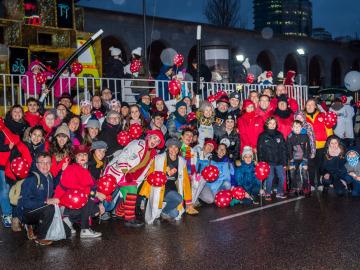 La Carroza del Niño Hospitalizado desfila de nuevo para rendir homenaje a los pequeños ingresados