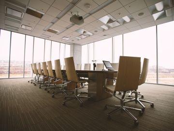 Alumnos de FP participan en una sesión de asesoramiento empresarial