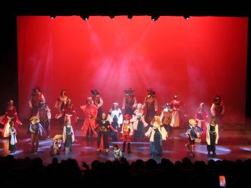 Los Guachis del Hospital de Albacete estrenan con éxito su nuevo musical