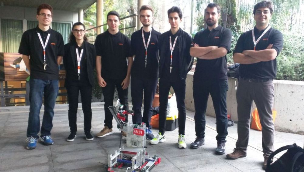 Alumnos de FP, ganadores del Campeonato Nacional de Róbotica VEX-U