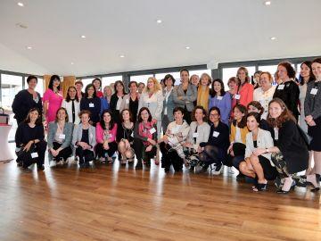 Carmen Bieger participa en un encuentro de mujeres líderes en España