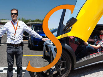 'Cars for smiles', el evento que convierte a los niños en copilotos profesionales por un día