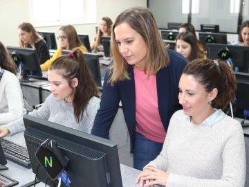 Alumnas de FP del Centro Zalima comienzan su formación en Microsoft Ofiice