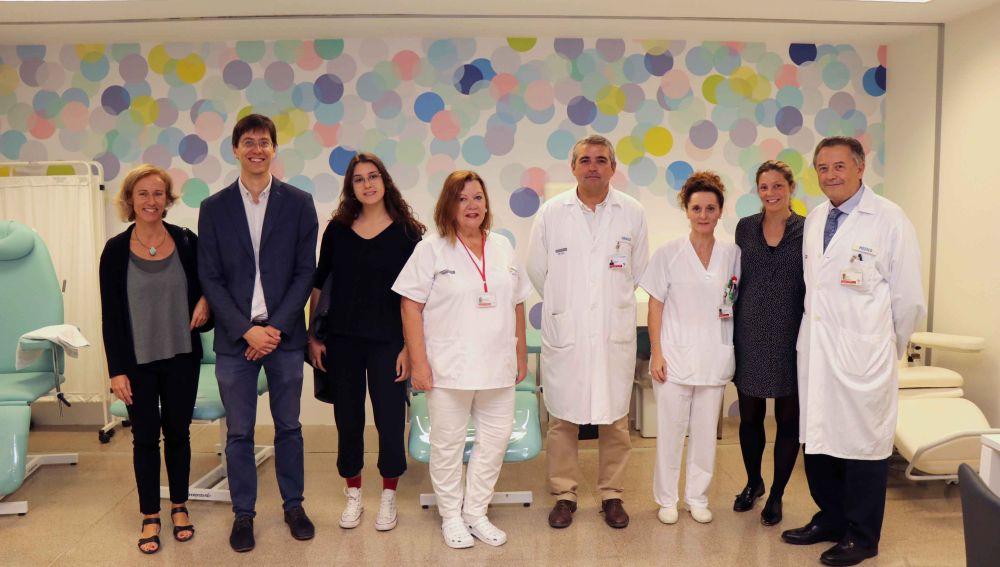 El Hospital La Fe de Valencia inaugura la nueva decoración de la sala de espera del TAC