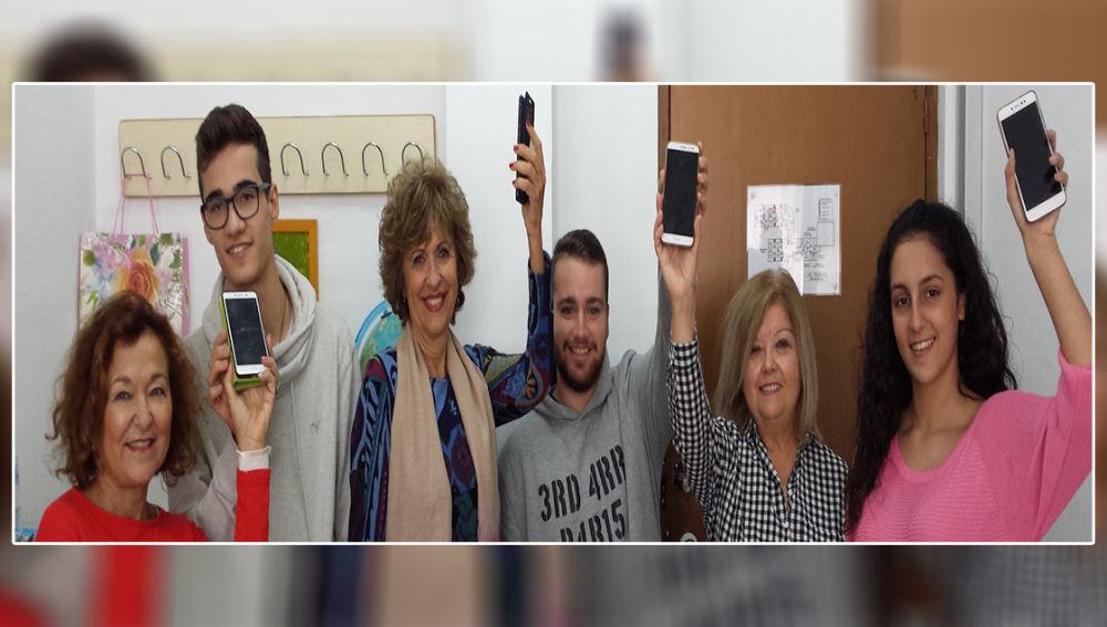Alumnos de Formación Profesional presentan ADA, un proyecto que contribuye a la eliminación de brecha digital