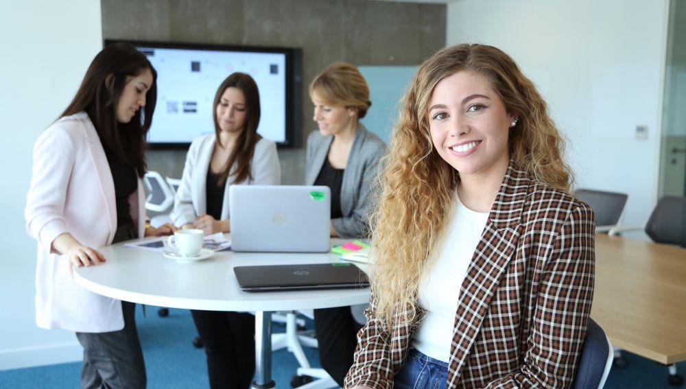Indra potencia el talento femenino en estudiante de Formación Profesional