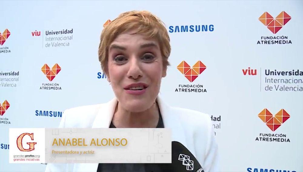 Anabel Alonso te anima a participar en los 'Premios Grandes Profes, Grandes Iniciativas'