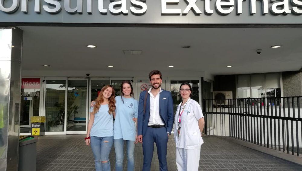 Los niños del Hospital La paz disfrutan de una tarde diferente con Adrian Cordero, de La Sexta