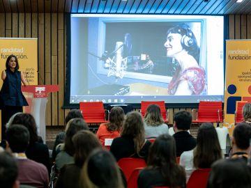 Lary León participa en una nueva jornada de Fundación Randstad