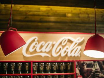 Coca-Cola European Partners ofrece opciones para vivir el fútbol de una forma responsable en los 'nuevos estadios' durante este final de competición.