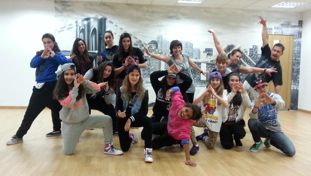 La Fundación Atresmedia apoya los campamentos de danza y artes escénicas 'Muévete'