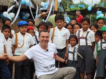 Roberto Brasero viaja a Perú como embajador de '1 maestro, 1 vida'