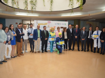 El Hospital de Albacete se llena de superhéroes para ayudar a niños con cáncer
