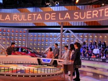 Profes y alumnos participan en la edición especial de La Ruleta