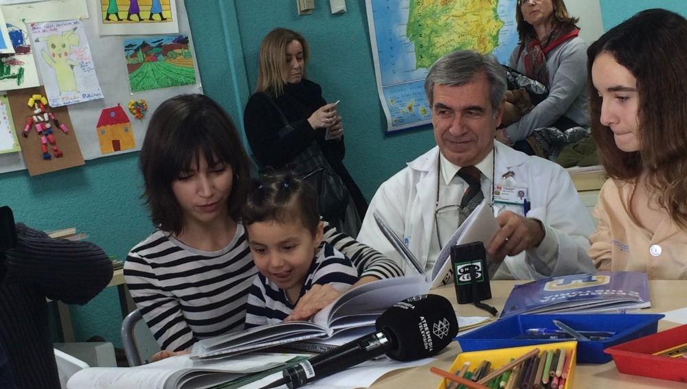 La Fundación Atresmedia organiza con Planeta la lectura de 'El libro sin dibujos' en 50 hospitales pediátricos