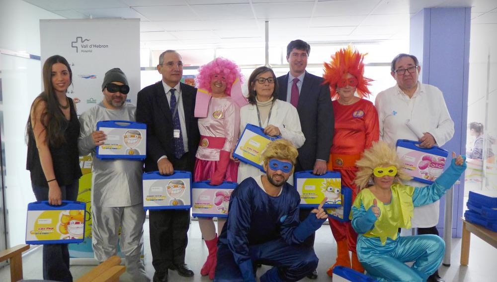 Seis superhéroes llegan al Hospital Vall d´Hebron para ayudar a niños con cáncer
