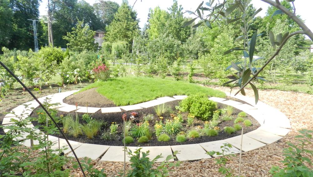 Los alumnos del Instituto de ARKAUTE diseñan un JARDÍN EFÍMERO inspirado en las Sensaciones en el jardín