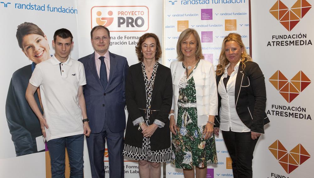 La Fundación ATRESMEDIA y la Fundación RANDSTAD han presentado esta mañana en Barcelona el estudio 'Jóvenes, discapacidad y empleo', una radiografía actualizada de la situación de los jóvenes con discapacidad en el mercado laboral español, que además quiere contribuir a vencer estereotipos y facilitar su inclusión en las empresas