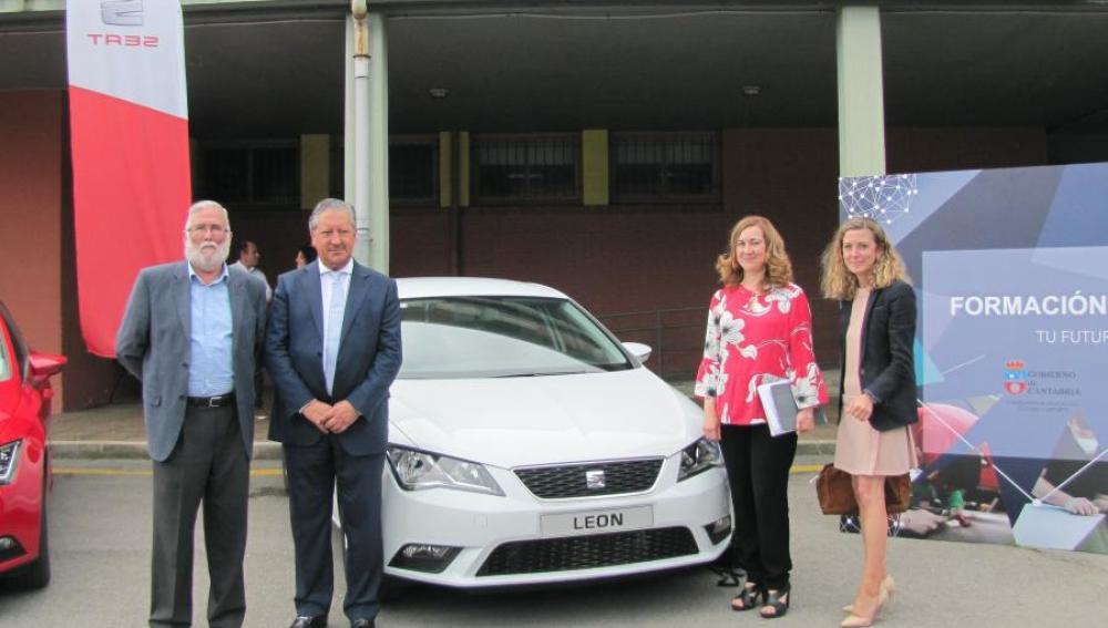Seat dona cinco vehículos para prácticas de FP