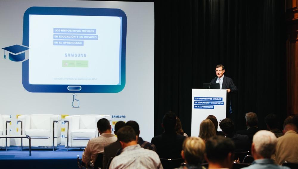 Francisco Hortigüela, Director de Comunicación, Relaciones Institucionales y Ciudadanía Corporativa, en la Presentación El Impacto de la Tecnología en el aprendizaje