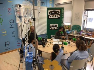 Los niños hospitalizados descubren la magia de la radio