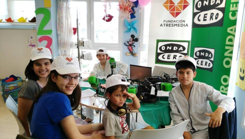 La planta de pediatría se convierte en un estudio de radio