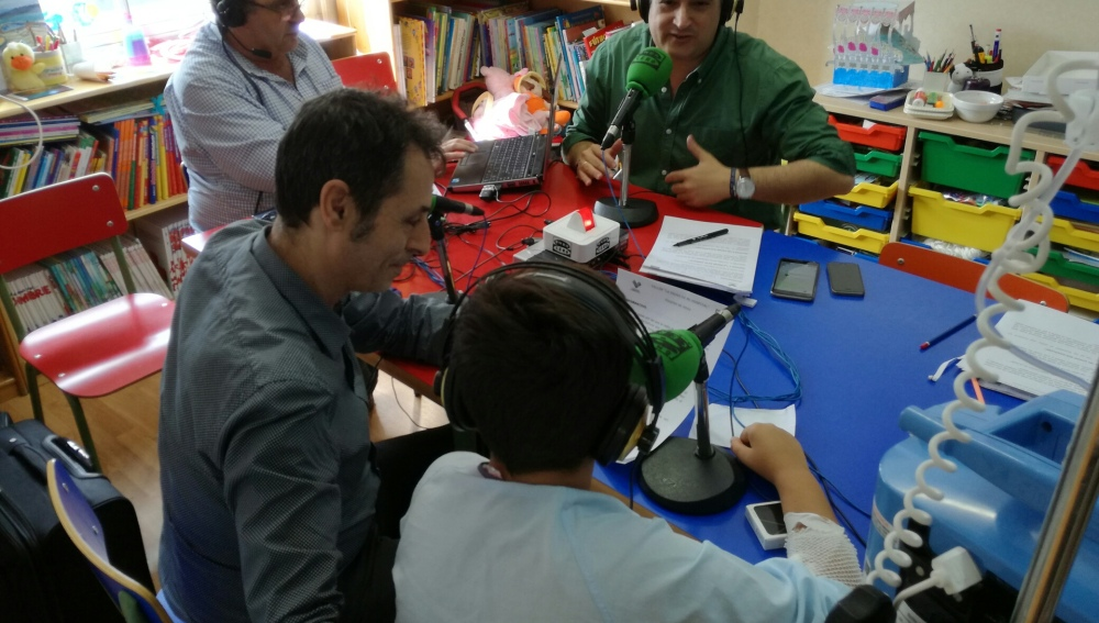 Los niños ingresados se enamoran de la radio gracias a Onda Cero