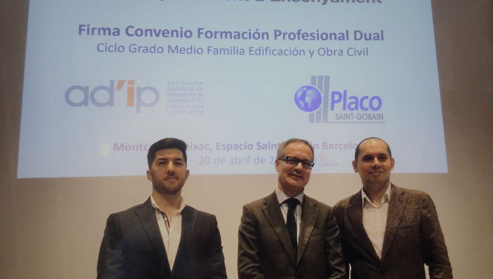 Saint-Gobain Placo y AD'IP firman un convenio para mejorar la cualificación profesional del sector de la construcción