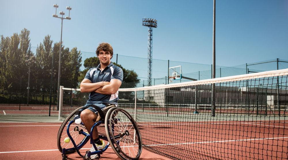 Daniel Caverzaschi, el tenista paralímpico que apuesta por la inclusión de las personas con discapacidad