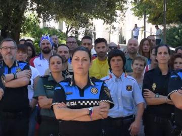 'Dale candela', la nueva campaña de la Policía Local de Terrassa a favor de la investigación del cáncer infantil