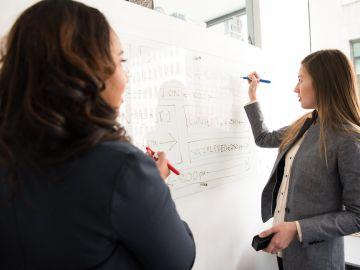 """El profesorado y las empresas, """"piezas clave"""" para la Formación Profesional del futuro"""