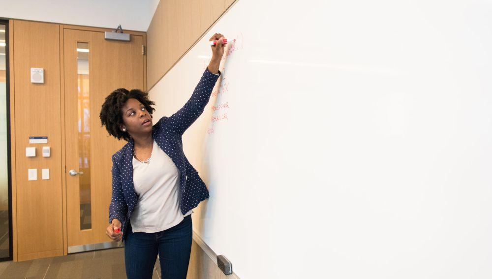El Ministerio de Educación y Formación Profesional convoca 1.499 plazas para docentes en países de los cinco continentes