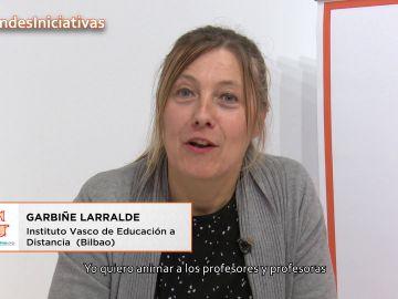 La profesora Garbiñe Larralde anima a los profesores a generar nuevos espacios de aprendizaje