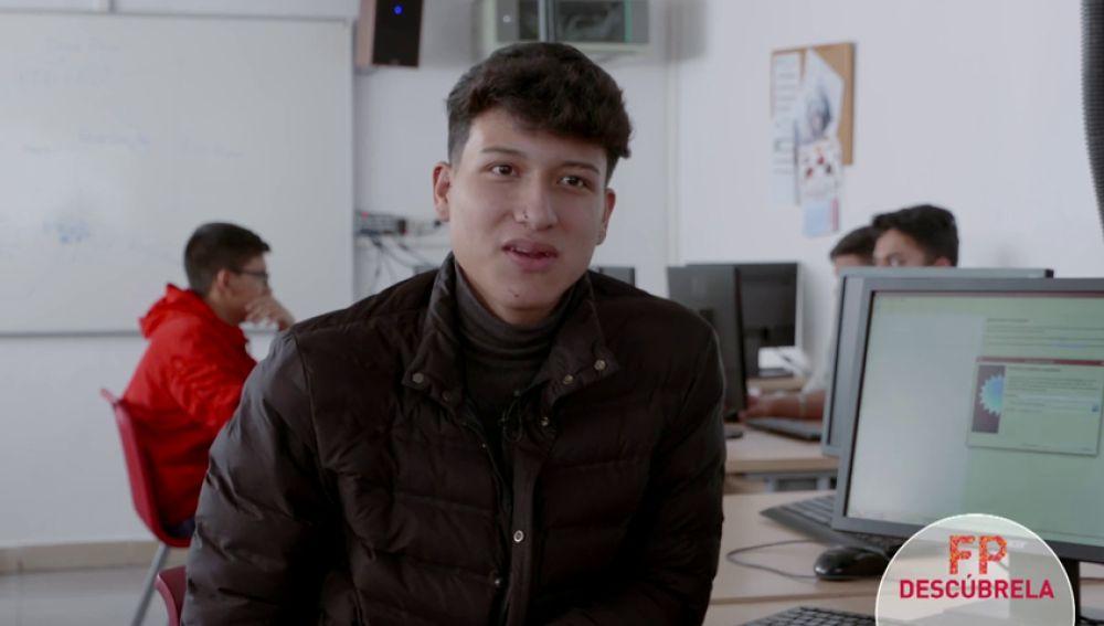 """FP INFORMÁTICA: """"La informática es algo que me ha gustado desde pequeño"""""""