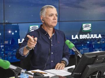 Juan Ramón Lucas presentador de La Brújula