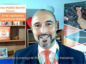 El escritor, Alonso Pulido, ponente en la entrega de los Premios Grandes Iniciativas